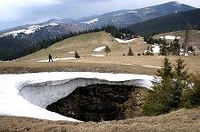 Avenul din Bătrâna vertical cave, Photo: Hám Péter