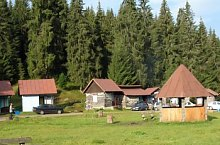 The Săritoarea Ieduțului round hiking trail, Bihor-Vladeasa, Apuseni mountains, Photo: Papp Anita
