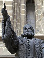 Statuia lui Honterus de la Biserica Neagră, Foto: Pénzes Nándor