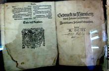 Az Első Román Iskola, Erdélyi Krónika Mihai Viteazul idejéből, Nurenberg 1603, Fotó: Robert Lázár