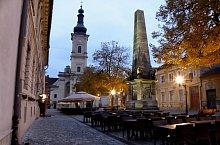 Kolozsvár: Karolina oszlop