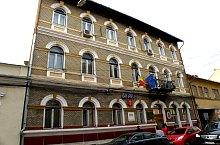 Kolozsvár: Orvosi és Gyógyszerészeti egyetem rektori hivatala