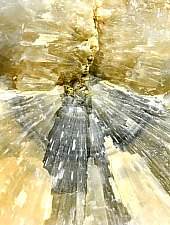 Depunerile de aragonit, Corund , Foto: WR