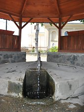 Water fountain, Săcășeni , Photo: WR