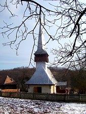 Wooden church, Răstolț , Photo: Valeria Lehene