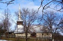 Wooden church, Răstolț , Photo: WR
