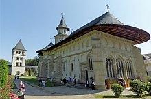 Manastirea, Putna , Foto: Bogdan Apostoaia