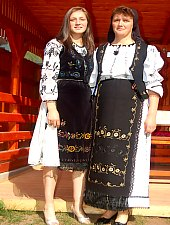 Traditional costumes, Photo: WR