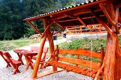 Cabana de sub brazi, Arieseni , Foto: WR