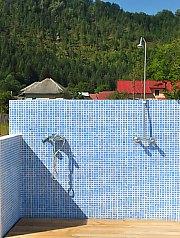Outdoor swimming pool, Albac , Photo: WR