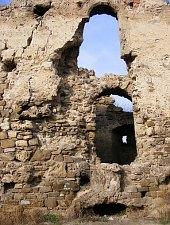 Cetatea inainte de restaurare, Feldioara , Foto: Bogdan Bălăban