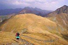 Szkára nyereg-Szuru nyereg jelzett turistaút, Fogarasi havasok, Fotó: Gabriel Gheorghiu