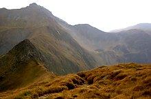 Szkára nyereg-Szuru nyereg jelzett turistaút, Fogarasi havasok, Fotó: Adrian Stanbeca
