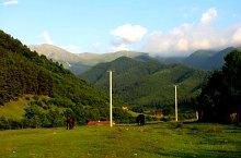 Sebesul de Sus - Cabana Suru prin valea Moașei, Foto: Liviu Odagiu