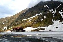 Cabana Balea Lac, Muntii Fagaras, Foto: Adrian Stanbeca