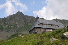 Podragu menedékház, Fogarasi havasok., Fotó: Iulian Pănescu
