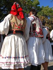 Traditional costumes in Beiuș, Photo: WR