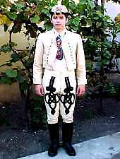 Traditional costumes in Arad