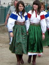 Traditional costumes in Colțești