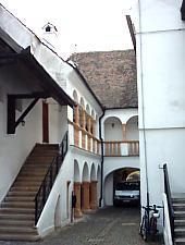 Schuller ház, az árkádos belső udvar, Fotó: Urian Adrian