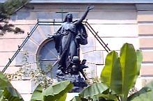 Statuia Ridicarea în ceruri a Mariei
