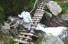 Footbridge over Pietrele valley, Photo: Mihai Domniță