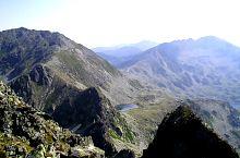 Tăul Porții, behind the Peleaga peak, Photo: Dragoș Lică