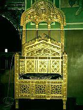 Great Church, The queen's chair, Photo: pr. Mihail Nagy
