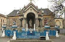 Szűz Mária emlékműve, Temesvár., Fotó: Sergiu Stefanov
